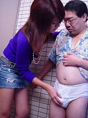 Cute Japanese teenage girlie sucking off a senior penis