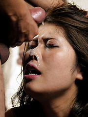 This japanese woman likes to take it deep