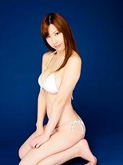 Big boob asian model Marina Yamasaki