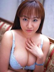 Big tits asian idol Ayami Sakurai posing in lingerie