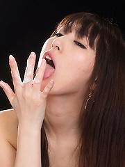 Oguri Miku blows cock