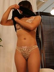 Japanese babe prepares to massage