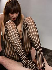 Hirako Saori in tight leggings