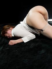 Sakurai Ruru wearing stockings