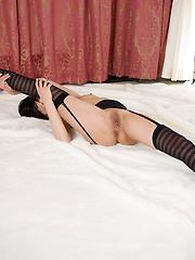 Kohaku Uta in sexy stockings and high heels