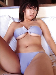 Hitomi Kitamura posing natural big breasts in blue bikini
