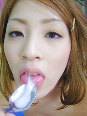 Yuu Mahiru Asian is fucked same time in holes with same dildo