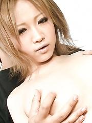 Ai Shirosakia Asian gets vibrator on shaved pussy and licks dildo