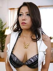 Meisa Hanai Asian has nipples of big cans licked and sucks tools