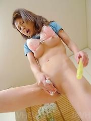 Mafuyu Hanasaki Asian pleasures peach with dildo and vibrator