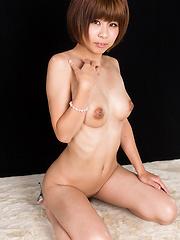 Hayase Akari swallows sperm