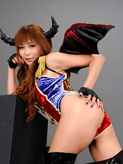 Sayuri Ono Asian in long boots and warrior suit shows leering ass