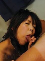 Maki Sakashita Asian with big cans has slit fingered and pumped