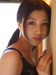 Azusa Togashi Asian with sexy body in bath suit loves sun light