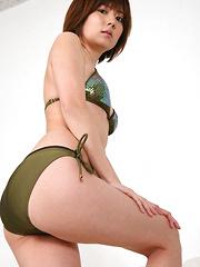 Kaori Tanaka Asian wants to take bikini off playing with minds