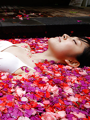 Airi Suzuki Asian in bath suit enjoys petals all over her body