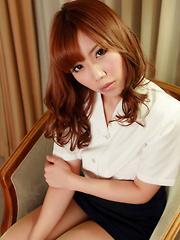 Kurumi Kisaragi Asian on heels shows sexy legs in office outfit