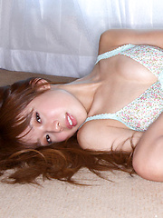 Nozomi Kawasaki Asian with hot bum and jugs loves her in mirror