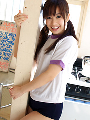 Hikari Yamaguchi Asian in shorts loves to play all over the house