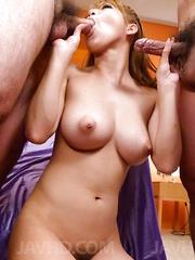 Ruru Kashiwagi gets vibrators in vagina and gets cum on big cans