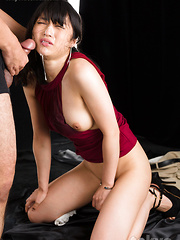 Japanese adult model Saionji Reo face fuck