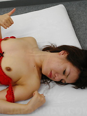 Lusty slut Remi Kawamura gets tied up in sex