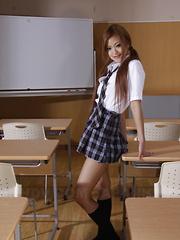 Teen An Umemiya shows her undies in class