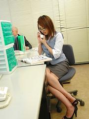 Young babe Rino Mizusawa gets rammed at work