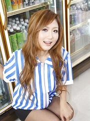 Nasty cashier Hibiki Ohtsuki teases and rides