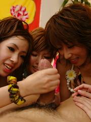 Randy arousing Japanese girls share a dick