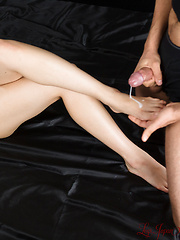 Yokoyama Natsuki cum on feet