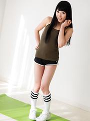 Sexy model Yui Kawagoe