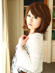 Asian gal Aya Sugiura shows her lovely body