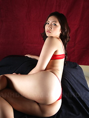 Hot teacher Mayumi Takara shows her big ass