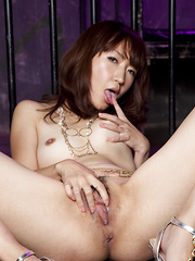 Hot darling Myu Natsume  shows off her body