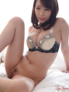 japanese porn model Kisaki Aya